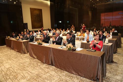 Đông đảo khách mời tham ra sự kiện ra mắt công ty.