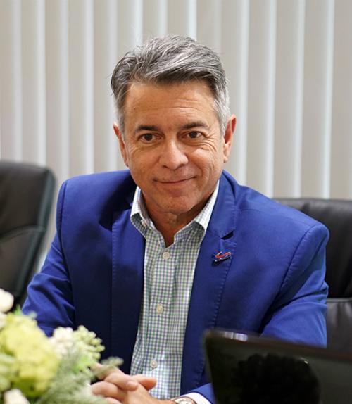 Luật sư Jose Latour - Chủ tịch Trung tâm vùng đầu tư American Venture Solutions. Ảnh: Tuấn Nhu.