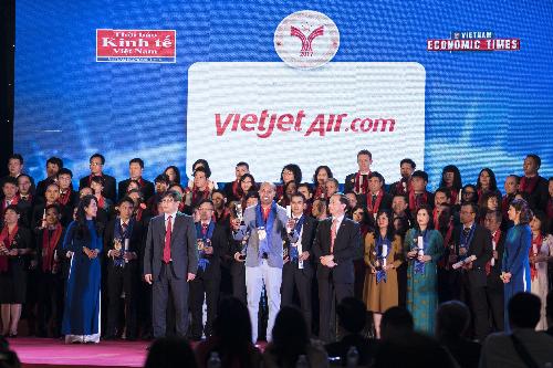 Vietjet vào Top 10 doanh nghiệp phát triển uy tín nhất Việt Nam