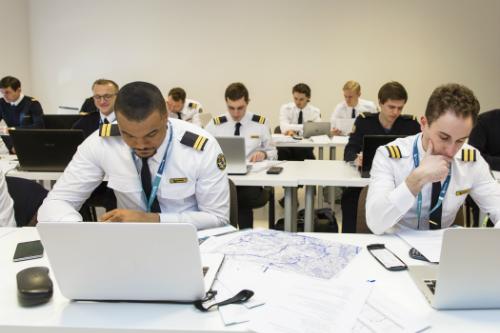 50 triệu USD xây trung tâm huấn luyện phi công tại Việt Nam