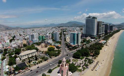 Các dự án condotel nằm dọc theo bờ biển Nha Trang.
