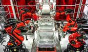 Elon Musk thừa nhận sai lầm vì quá dựa vào robot