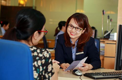 đăng ký thông tin vay vốn tại http://www.bidv.com.vn/ uudai/vaycanhan.html, liên hệ Chi nhánh BIDV gần nhất hoặc liên hệ tổng đài chăm sóc khách hàng 24/7: 1900 9247 để được hỗ trợ.