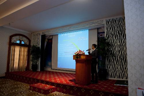 Đại diện công ty Job Sd Vina giới thiệu về hoạt động và các tính năng của công ty.