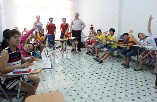 Học nghe nói và giao tiếp trung tâm anh ngữ iLi - 2