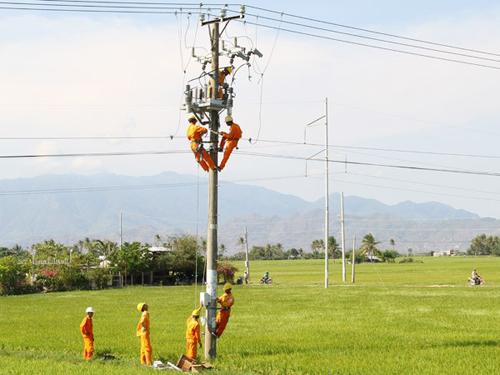 EVN đảm bảo cung cấp điện cho mọi hộ dân trên toàn quốc.
