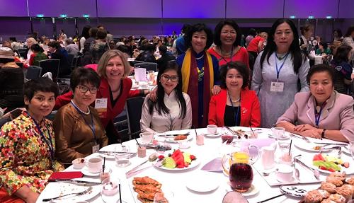 Doanh nhân Thủy Tiên trao đổi với các nguyên thủ quốc gia, nữ lãnh đạo doanh nghiệp... về thúc đẩy bình đẳng giới trong kinh doanh.