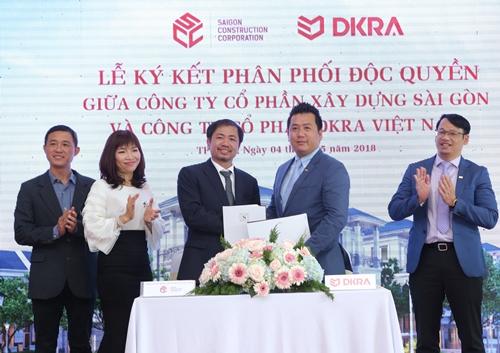 Công ty SCC và Công ty DKRA Việt Nam chính thức ký kết hợp tác phân phối độc quyền khu biệt thự compound cao cấp Sol Villas vào ngày 04/05 vừa qua