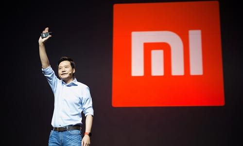 Lei Jun -Chủ tịch kiêm CEO Xiaomi trong một buổi ra mắt sản phẩm. Ảnh: Reuters