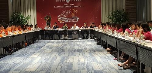 Bên cạnh các hoạt động thể thao liên hoàn, hành trình tổ chức hội thảo trao đổi, chia sẻ giữa ban lãnh đạo, các cấp quản lý và nhân viên, nhằm truyền tải thông điệp xây dựng văn hóa doanh nghiệp của C.T Group.