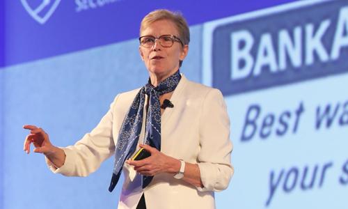 Bà Ellen Richey, Phó chủ tịch, Giám đốc Quản lý rủi ro Visa toàn cầu tại Hội nghị về bảo mật thanh toán thẻ ở Singapore.Ảnh: Visa.