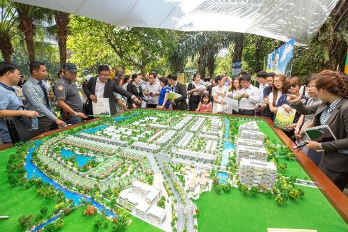 Dự án có nhiều tiện ích nội khu giữa mảng xanhtrong lành.Công ty CP Địa ốc Phú Long.Hotline19001899.Website.