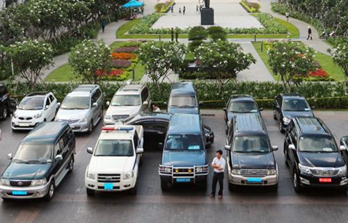 Khoán xe công tại TP HCM. Ảnh: Trung Sơn