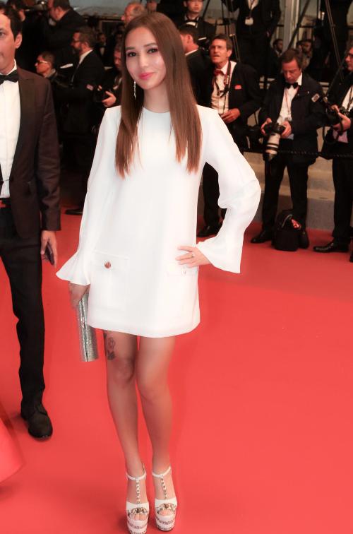 Nữ doanh nhân tự tin xuất hiện trên thảm đỏ