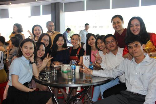 Bữa sáng đầu tuần được tổ chức tại sảnh chính của Phát Đạt, với sự góp mặt của toàn thể nhân viên và ban lãnh đạo.