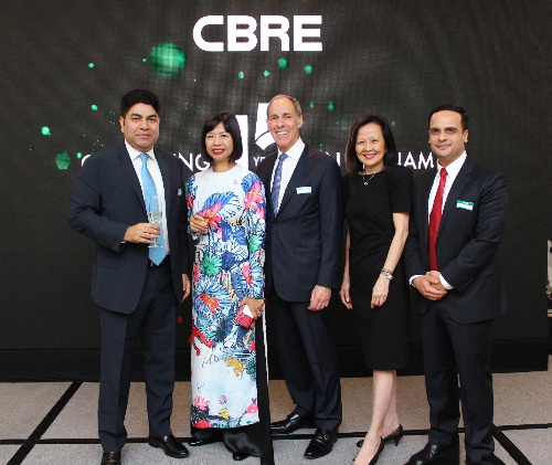 Tập thể lãnh đạo CBRE khu vực châu Á - Thái Bình Dương.