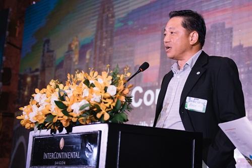 Ông Eu Boon Hoe - CEO phân phối, phát triển sản phẩm ở khu vực châu Á của Johnson Controls - phát biểu tại sự kiện.