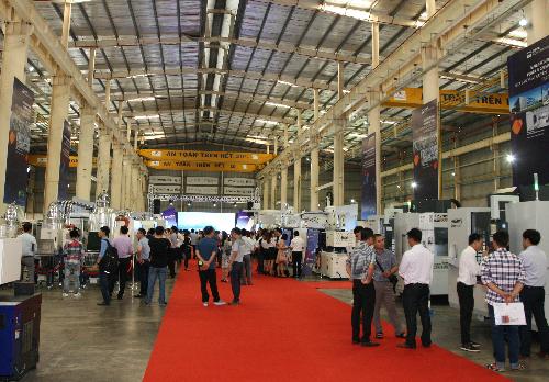 Nhiều hệ thống máy hiện đại giới thiệu tại sự kiện.