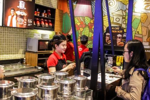Highlands Coffee nhận được nhiều tình cảm của khách hàng toàn quốc.