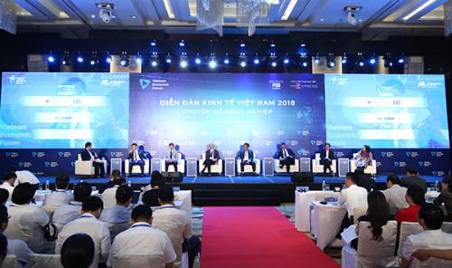 Các diễn giả cùng bàn về câu hỏi lớn của vị chủ tọa: Đâu là át chủ bài của nông sản Việt.