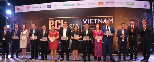 Đại diện MBLand Tokin nhận giải thưởng danh giá về BĐS  BCI Top 10 Awards 2018