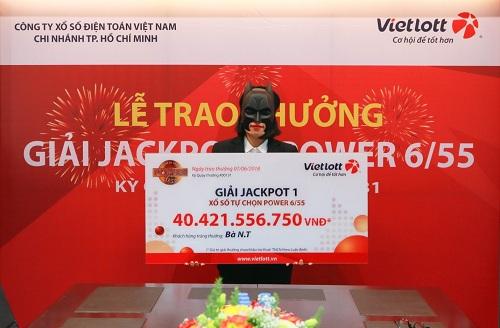 Nữ khách hàng trúng Jackpot hơn 40 tỷ đồng (chưa trừ thuế) là nhân viên một ngân hàng tại TP HCM.