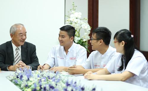 Acecook được vinh danh thứ hạng 11 trong ngành hàng tiêu dùng nhanh (FMCG) trên bảng xếp hạng 100 nơi làm việc tốt nhất Việt Nam.