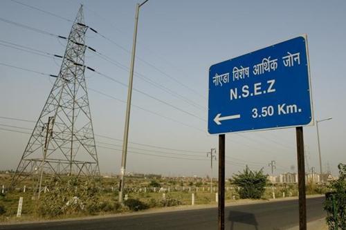Biển chỉ dẫn vào đặc khu Noida của Ấn Độ. Ảnh: Livemint