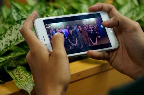 Thời gian người dân tại 4 thành phố lớn dành cho Internet đã vượt TV. Ảnh: Viễn Thông