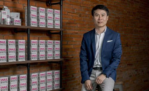 ÔngSarawut Pornpatanaruk vào xếp thứ 45 trong 50 người giàu nhất Thái Lan năm 2018. Ảnh: Forbes
