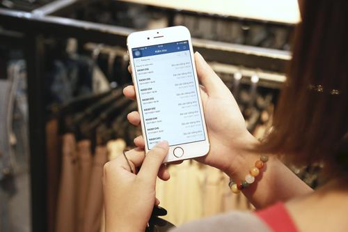 Khách hàng dễ dàng quản lý đơn hàng qua điện thoại.