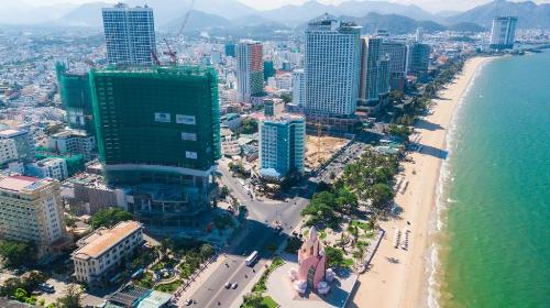 Công trình A&B Central Square Nha Trang đang thi công tháng 6/2018. Dự án A&B Central Square nằm tại 44 Trần Phú, phưòng Lộc Thọ; thành phố Nha Trang, tỉnh Khánh Hòa; hotline: 0932 150 691; website: http://abnhatrang.vn/