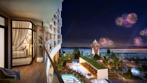 Tầm nhìn vịnh Nha Trang từ ban công phòng khách sạn A & B Central Square.