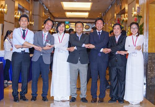 Sản phẩm may mặc và năng lực thực tiễn của Titan được hội đồng thẩm định của Aeon đánh giá cao trong việc tạo dựng thương hiệu cho nhãn hàng riêng Aeon Topvalu.