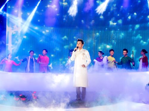 Lễ hội trái cây Nam Bộ 2018 tại Suối Tiên diễn ra suốt 3 tháng hè, bắt đầu bằng chương trình khai mạc ngày 1/6 với sân khấu quy mô lớn và chương trình nghệ thuật quy tụ các ngôi sao nổi tiếng.
