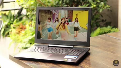 Chương trình lua laptop trúng xe Honda AirBlade và nhận quà áp dụng khi khách mua hàng trực tuyến hoặc tại các siêu thị thuộc hệ thống Thế Giới Di Động và Điện Máy Xanh.