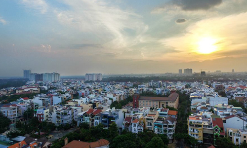 Nhà phố tại khu Nam Sài Gòn. Ảnh: Lucas Nguyễn