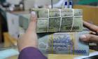 Lãi suất gửi tiết kiệm lại tiếp tục giảm