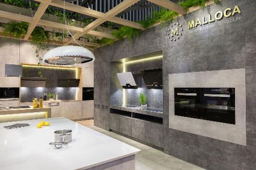 Sự kết hợp giữa vật liệu gỗ An Cường và thiết bị nhà bếp cao cấp Malloca mang đến không gian trải nghiệm thực tế.