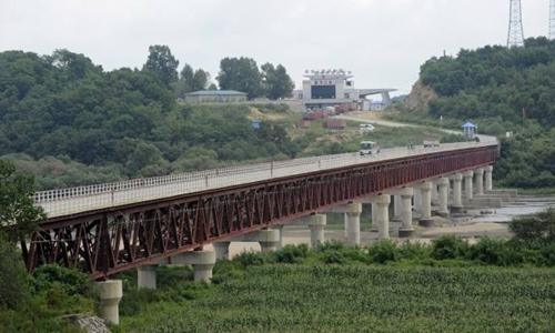 Cây cầu nối Hunchun (Trung Quốc) với Rason (Triều Tiên). Ảnh: AFP