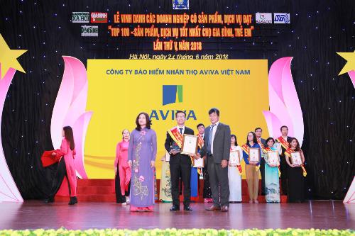 Aviva Việt Nam vinh dựnhận giải thưởng Top 100 sản phẩm, dịch vụ tốt nhất cho gia đình và trẻ em với sản phẩm bảo hiểm liên kết chung Yêu thương trọn vẹn.