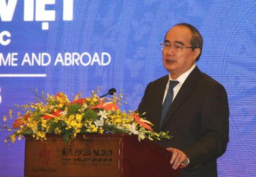 Ông Nguyễn Thiện Nhân phát biểu tại phiên khai mạc Diễn đàn sáng 26/6.