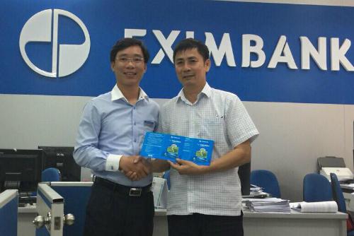 Ông Nguyễn Tiến Nam đã nhận tiền và gửi lại 10 tỷ đồng tiết kiệm tại Eximbank. Ảnh: PV.