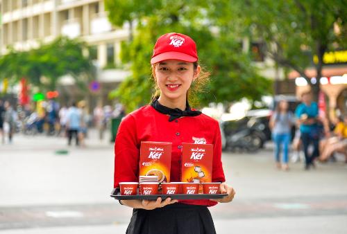 MacCoffee Café Kết được mang tới phố đi bộ Nguyễn Huệ mời khách hàng thưởng thức.