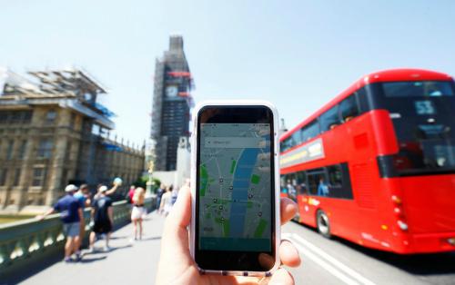 Ứng dụng Uber tại London. Ảnh: Reuters