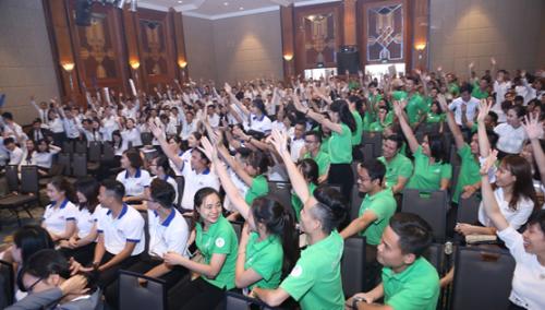 Sự kiện thu hút hàng nghìn nhân viên kinh doanh tới từ nhiều đơn vị phân phối trên địa bàn Hà Nội.