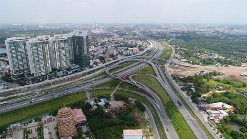 Khu ĐôngTP HCM sở hữu nhiều lợi thế về vị trí kết nối, hạ tầng giao thông đồng bộ và tiềm năng khai thác bất động sản tốt.