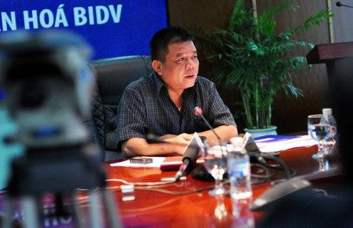 Ông Trần Bắc Hà chủ trì một cuộc họptại BIDV khi còn đương chức. Ảnh:N.M.
