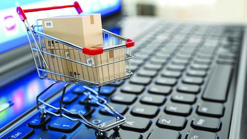 Đưa hàng lên các sàn thương mại điện tử là kênh giúp sản phẩm doanh nghiệp trong nước tiếp cận thị trường toàn cầu.