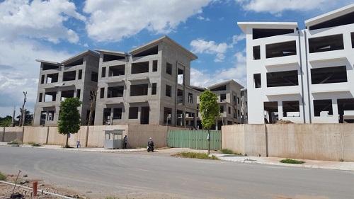 Ngày 30/5, Sở Xây dựng Hà Nội đã ban hành giấy phép xây dựng số 51/GPXD cho 26 căn biệt thự tại Khai Sơn Hill.